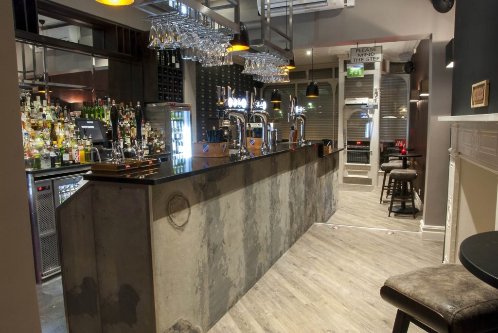 VersaLite Stone® Veneer in a Bar Setting